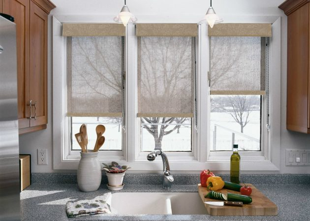 Blinds in the interior of the kitchen