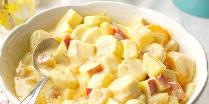 Fruit salad with vanilla pudding