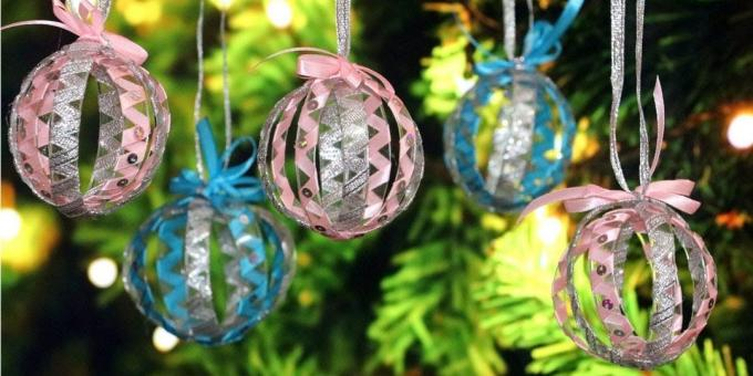 Christmas decorations from plastic bottles