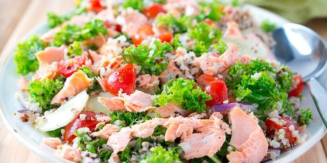 Cucumber salad, salmon and quinoa