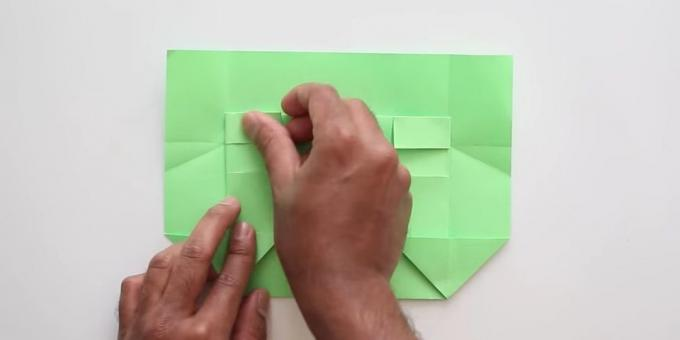 envelope with your hands without glue: bend the front paper