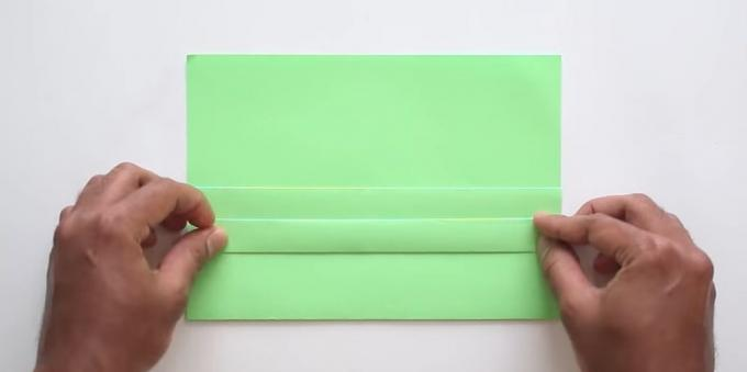 envelope with your hands without glue: lift the strip