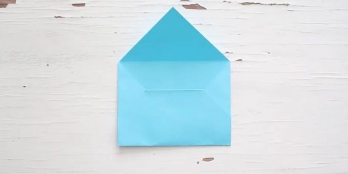 How to make a classic envelope with his hands