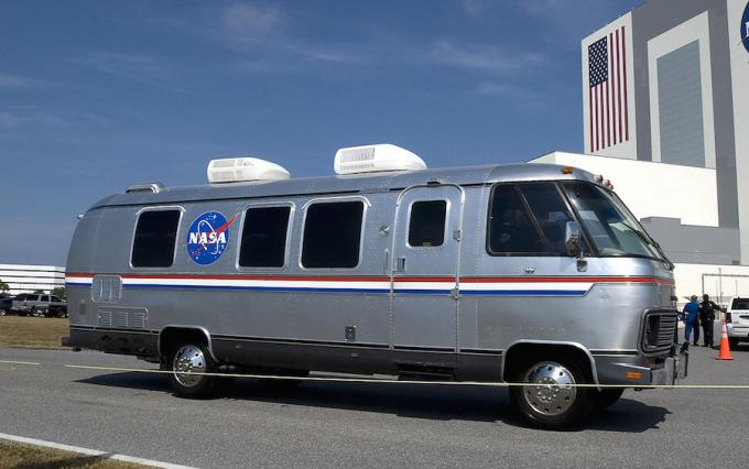 Cool cars NASA: Astronaut Transfer Van