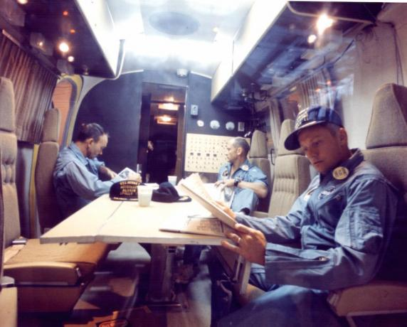 Cool cars NASA: astronauts in the quarantine unit