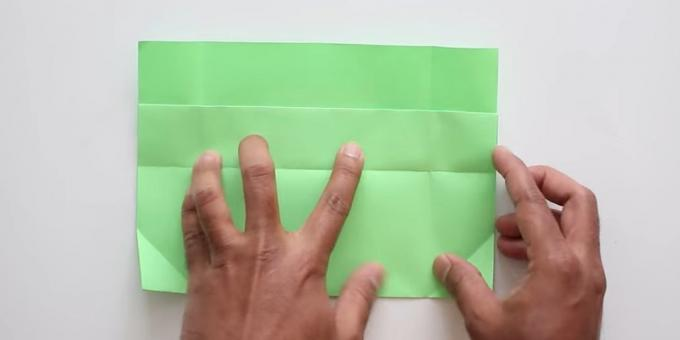 envelope with your hands without glue: bend the lower part