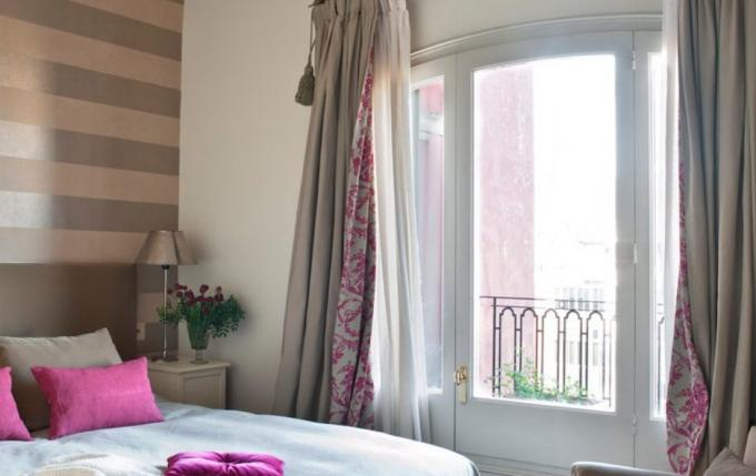 How to choose curtains: combined with each other bright shades