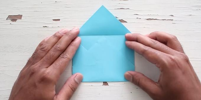 Give the envelope shape